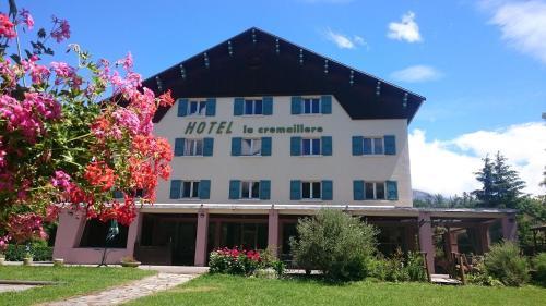Logis La Cremaillere : Hotel near Saint-Laurent-du-Cros