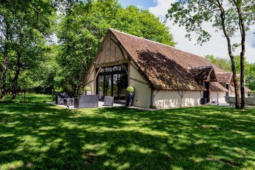 La Grange De Léonie : Guest accommodation near La Chapelle-Saint-Laurian