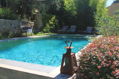 Les Rosées : Bed and Breakfast near Mouans-Sartoux