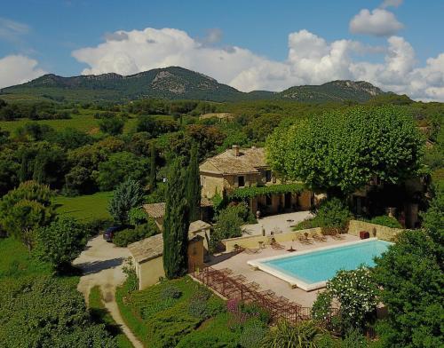 Le Clos Saint Saourde : Guest accommodation near Saint-Hippolyte-le-Graveyron