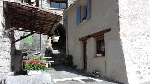 Clé du Château : Guest accommodation near Saint-Genis