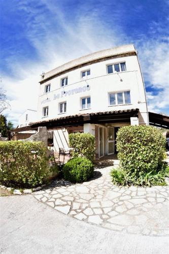 Le Provence : Hotel near Plan-d'Aups-Sainte-Baume