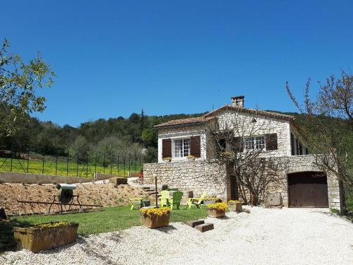 Maison indepentante - Montclus : Guest accommodation near Orgnac-l'Aven