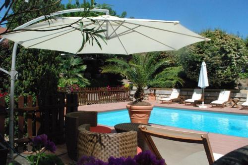 Les Clos de Chaponost : Hotel near Brindas