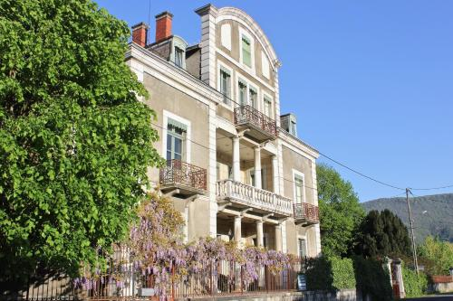 Chateau de La Lanette : Guest accommodation near Izaourt