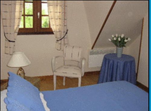 Chambre d'hôte La Mer : Bed and Breakfast near Longues-sur-Mer