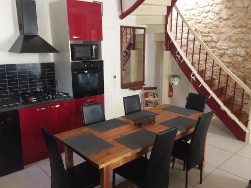 Maison de Ville 8 personnes : Guest accommodation near Saint-Seurin-de-Bourg