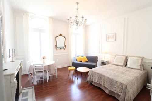 Bien Etre Immo : Apartment near Bignoux
