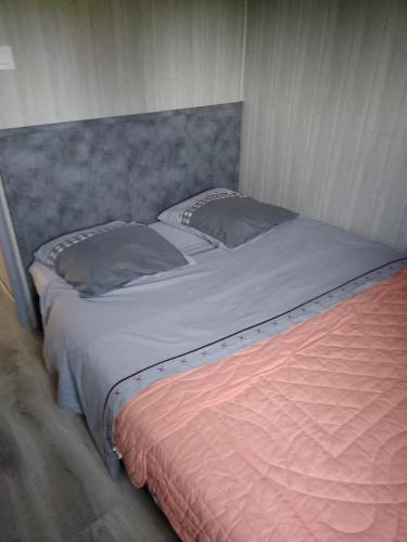 eurl de l'écluse : Guest accommodation near Autry
