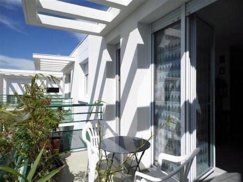 Apartment Residence les jardins de france Royan : Apartment near Médis