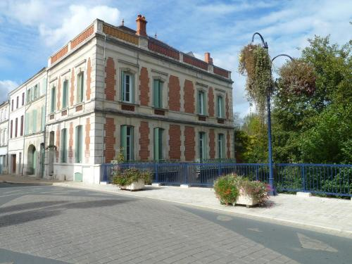 Les Balcons de la Seugne : Bed and Breakfast near Berneuil
