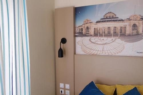 Kyriad Vichy : Hotel near Saint-Priest-Bramefant