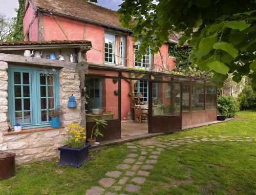 Les Rouges Gorges : Bed and Breakfast near Bonnières-sur-Seine