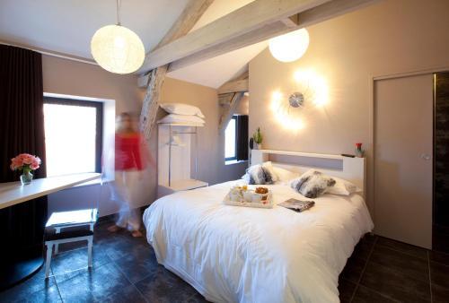 Les Fleurines Boutique Hôtel Centre Ville : Hotel near Martiel