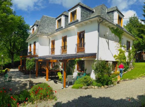 Logis Coquelicot : Bed and Breakfast near Saint-Amandin