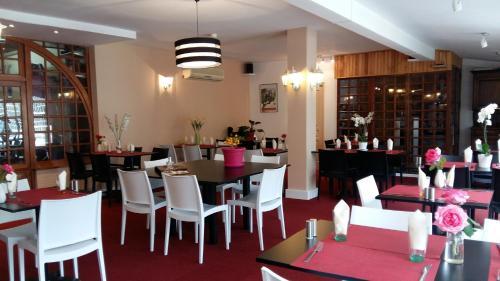 Hotel La Gravenne : Hotel near La Souche
