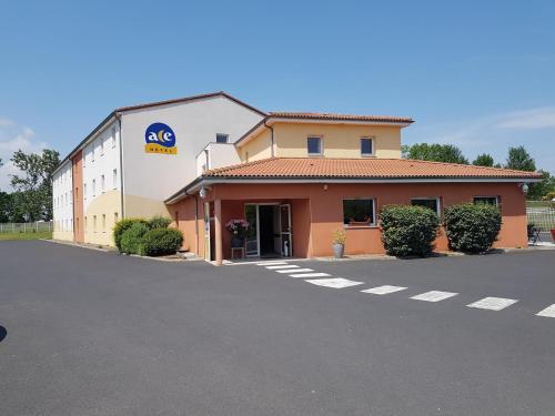Ace Hotel Issoire : Hotel near La Sauvetat