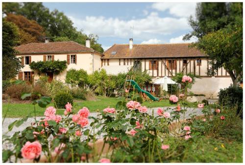 La Ferme des Grisettes : Guest accommodation near Auch