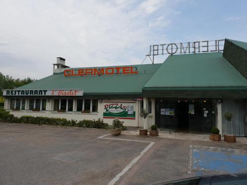 Logis Hôtel Le Clermotel : Hotel near Lamécourt