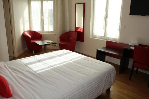 Le Grand Hotel : Hotel near Montabon