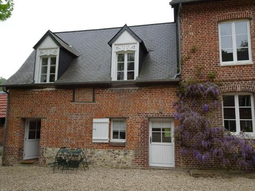 Le Moulin de Rosay : Guest accommodation near Mesnil-sous-Vienne