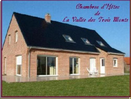La Vallée des Trois Monts : Bed and Breakfast near Strazeele