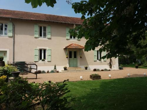 Domaine Serrot : Bed and Breakfast near Lunax