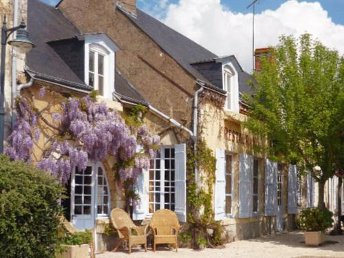 Résidence Hôtelière La Marine : Apartment near Saint-Denis-en-Val
