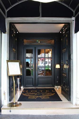 Hotel Saint Cyr Etoile : Hotel near Neuilly-sur-Seine