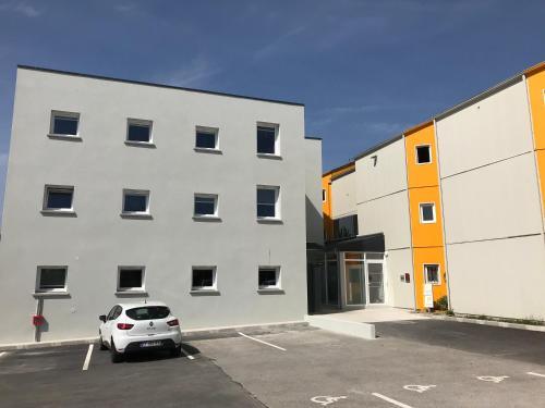 Première Classe Amiens : Hotel near Beaucourt-sur-l'Hallue