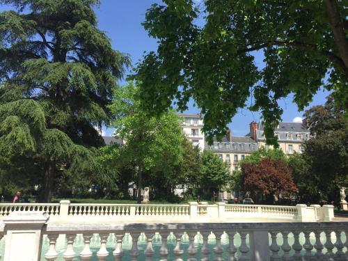Le Jardin Darcy Hyper centre gare-ville : Apartment near Dijon