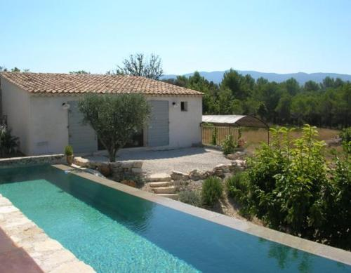 La Bastide des Jonquets : Guest accommodation near Rustrel