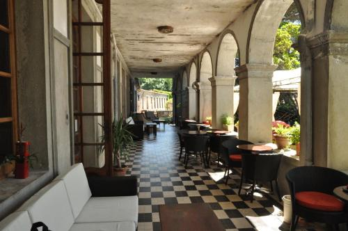 APOSTROPHE Chambres d'Hôtes : Bed and Breakfast near Fraisse-Cabardès