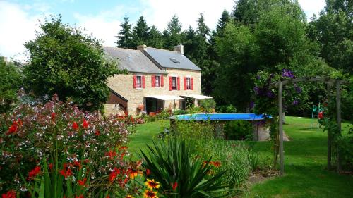Chambres d'hôtes Le Bas Rassinoux : Bed and Breakfast near Livré-sur-Changeon