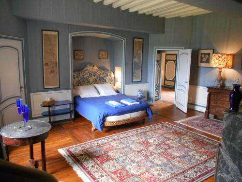 Le Château d'Ailly : Bed and Breakfast near Saint-Vincent-de-Boisset