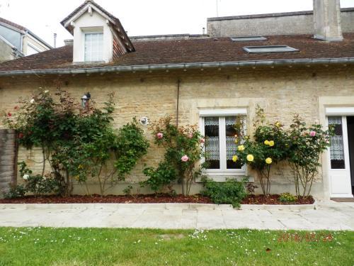 Studios et Appartements Les 4 Vents : Apartment near Douvres-la-Délivrande