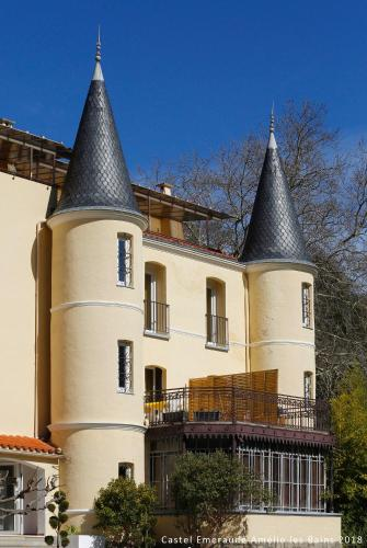 Appart'Hotel Castel Emeraude : Guest accommodation near Corsavy