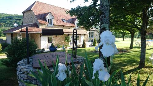 La bergerie de Laura : Guest accommodation near Ginouillac