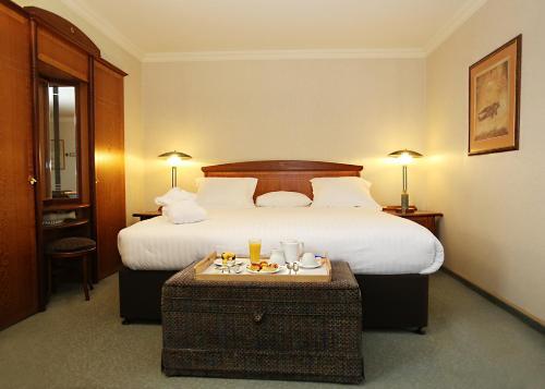 Millennium Hotel Paris Charles De Gaulle : Hotel near Fontenay-en-Parisis