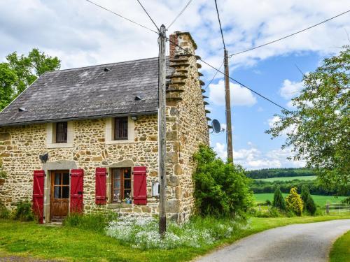 Entre Clermont Ferrand Et Montluçon : Guest accommodation near Saint-Éloy-les-Mines