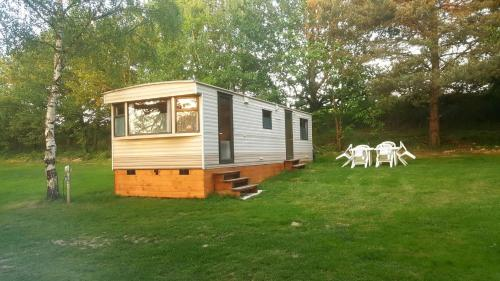 Camping de la Reuille : Guest accommodation near Saint-Flovier