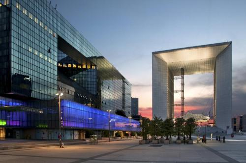 Hilton Paris La Défense : Hotel near Courbevoie