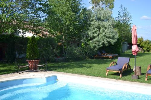 Le Jas de Berrias : Bed and Breakfast near Berrias-et-Casteljau