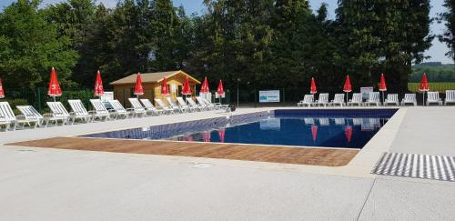 Camping le Grand Paris : Guest accommodation near Theuville