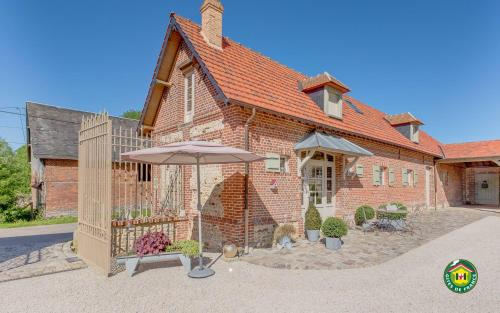Le Clocher du May : Bed and Breakfast near Saint-Samson-la-Poterie