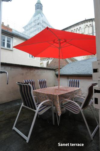 Appartement Sanet : Apartment near Saint-Laurent-l'Abbaye