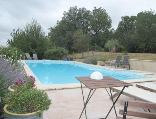 Le Fraysse : Bed and Breakfast near Le Born