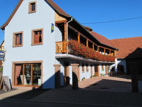 La Ferme de Louise : Bed and Breakfast near Singrist