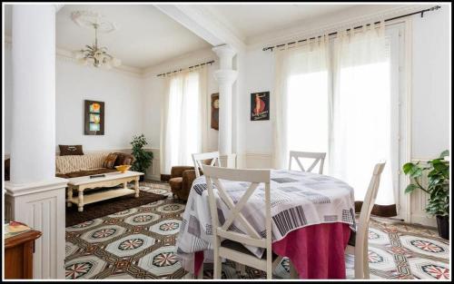 Béziers Apart Art Déco : Apartment near Montady