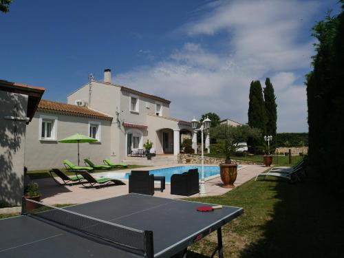La Bastide d'Eloise : Bed and Breakfast near Aramon